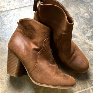 Faded Glory -Cowgirl style Tan Bootie 10